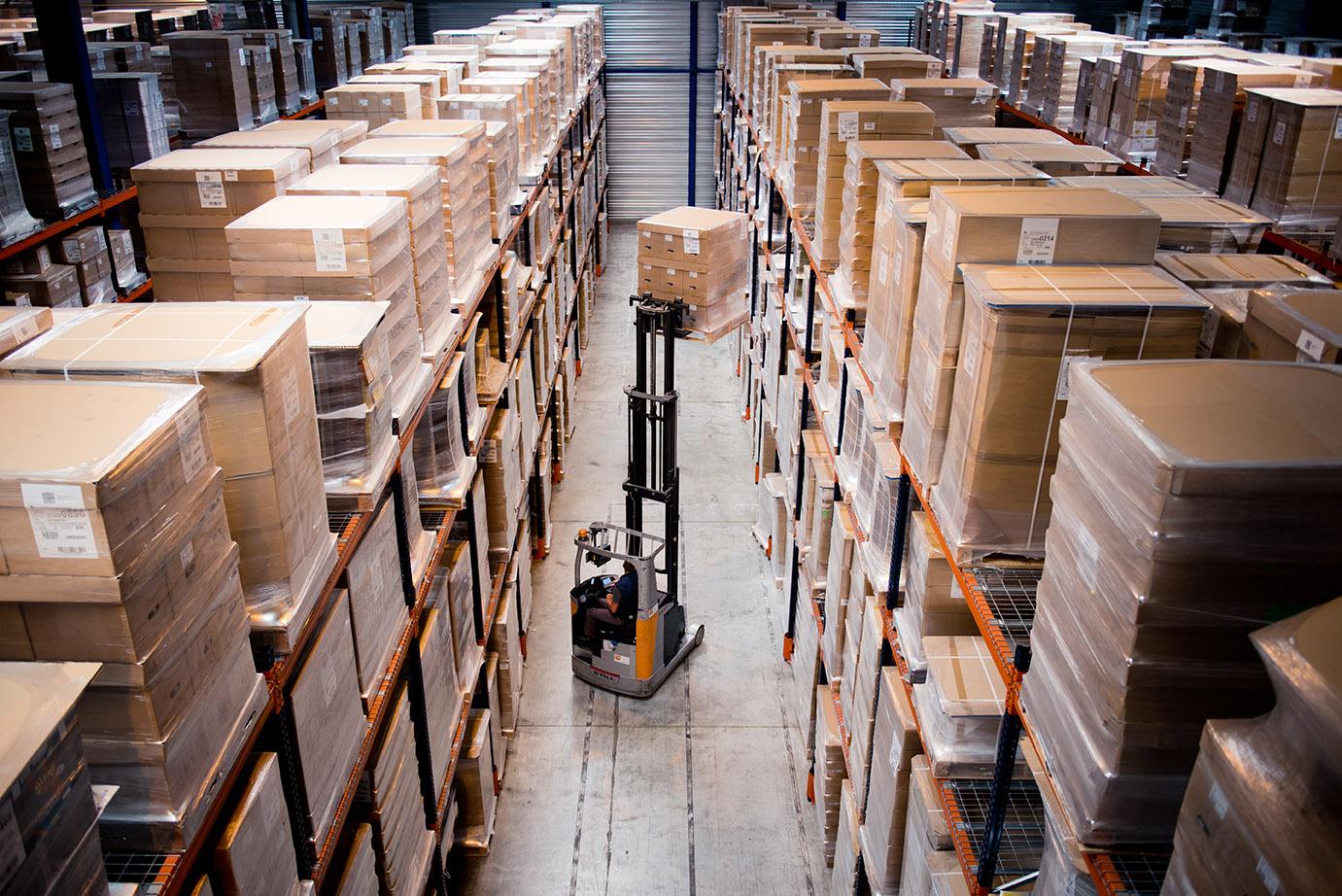 Stockage de marchandises en entrepôt (Limousin). Palettes gestion de stocks
